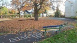 Mementan alles andere als ein Spielparadies:  der Hof der Grundschule Miltitz. Foto: Andr? Kempner