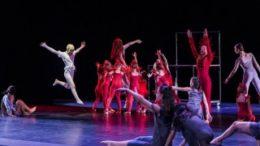 Auff?hrung des Leipziger Tanztheaters. Foto: Rolf Arnold