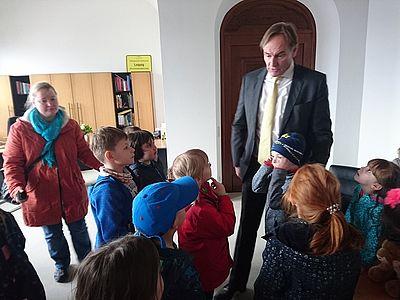 Im Gespräch mit Oberbürgermeister Burkhard Jung. Foto: Kita Am Kirschberg / Outlaw gGmbH